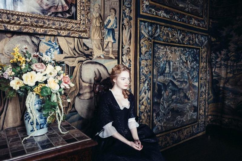 艾瑪史東2年前在威尼斯封后,今年再與瑞秋懷茲以英國宮鬥片《真寵》叩關。(金馬執委會提供)