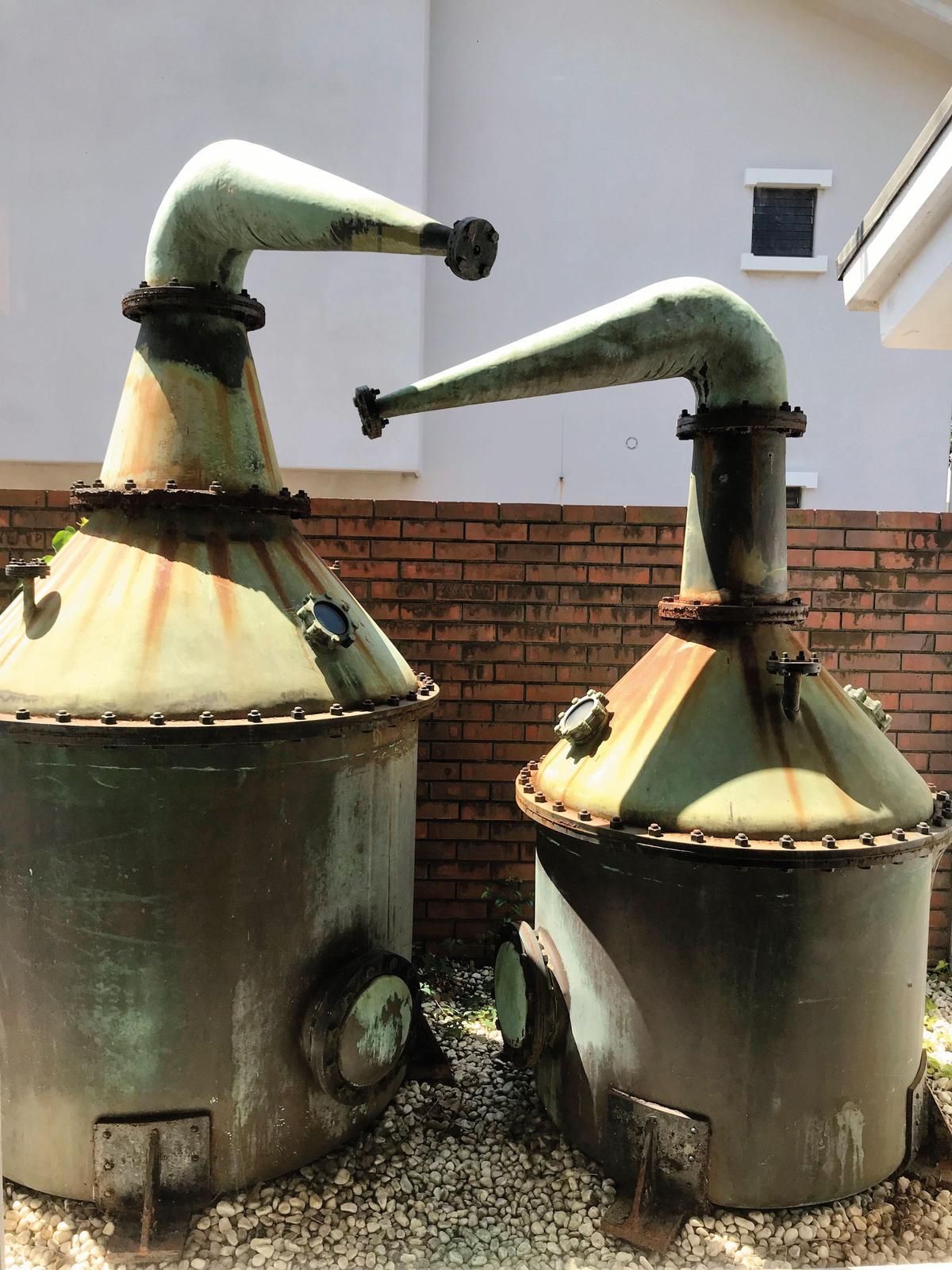 酒廠1961年才開始賣自己蒸餾的威士忌。圖為第1代蒸餾器,容量約1,000公升,已經退役。
