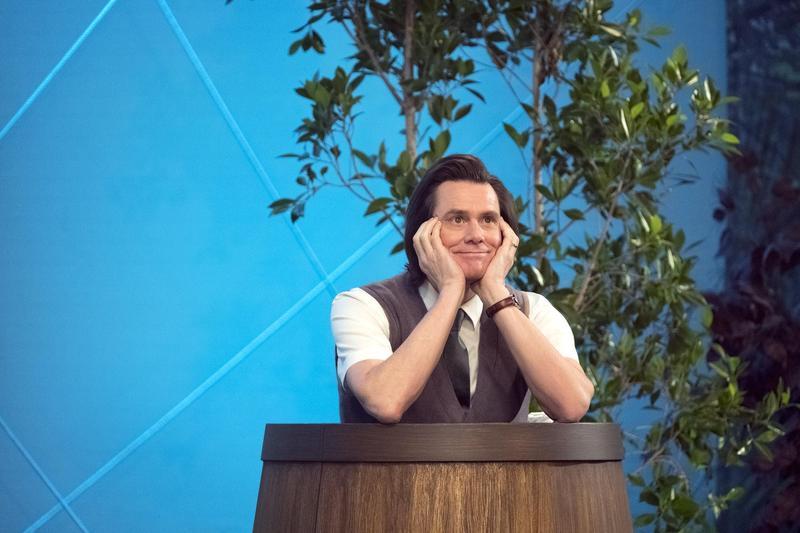 闊別小螢幕20年後,金凱瑞重回電視,帶來全新影集《酸黃瓜先生的人生笑話》,藉此討論人生的痛苦。(福斯傳媒提供)