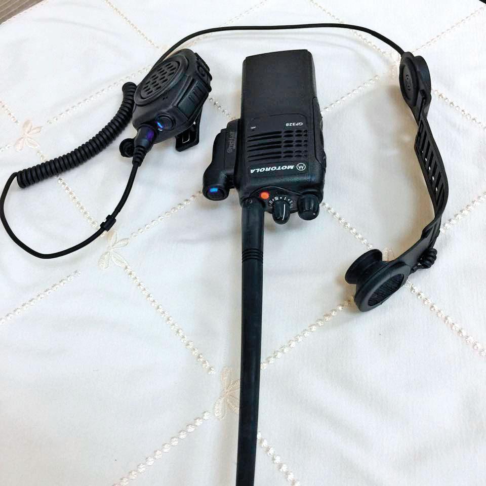 火場中各組人力,都需透過「手提機」溝通、傳達指令。