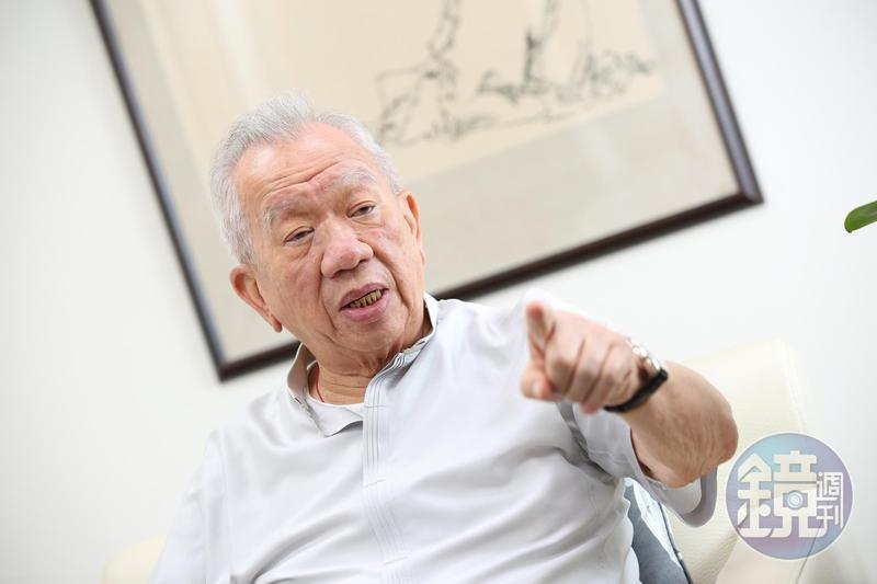 何壽川堂哥何政廷去年因鼎興牙材案揚言要賣股,和何壽川徹底翻臉。