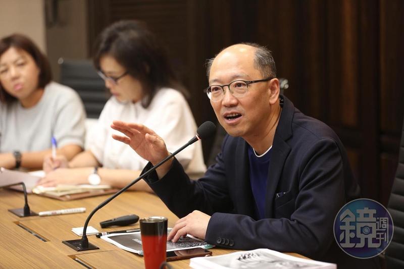 上海虹橋麗寶廣場將在明年5月正式開幕,今由上海房地產開發總經理陳志鴻舉行說明會。