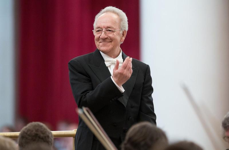 俄羅斯指揮大師泰密卡諾夫將於11月率聖彼得堡愛樂管弦樂團第十度訪台。(牛耳藝術提供)