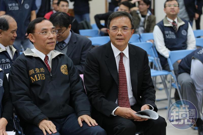 法務部政務次長蔡碧仲(右)今被行政院發布代理花蓮縣長職務。左為法務部長蔡清祥。