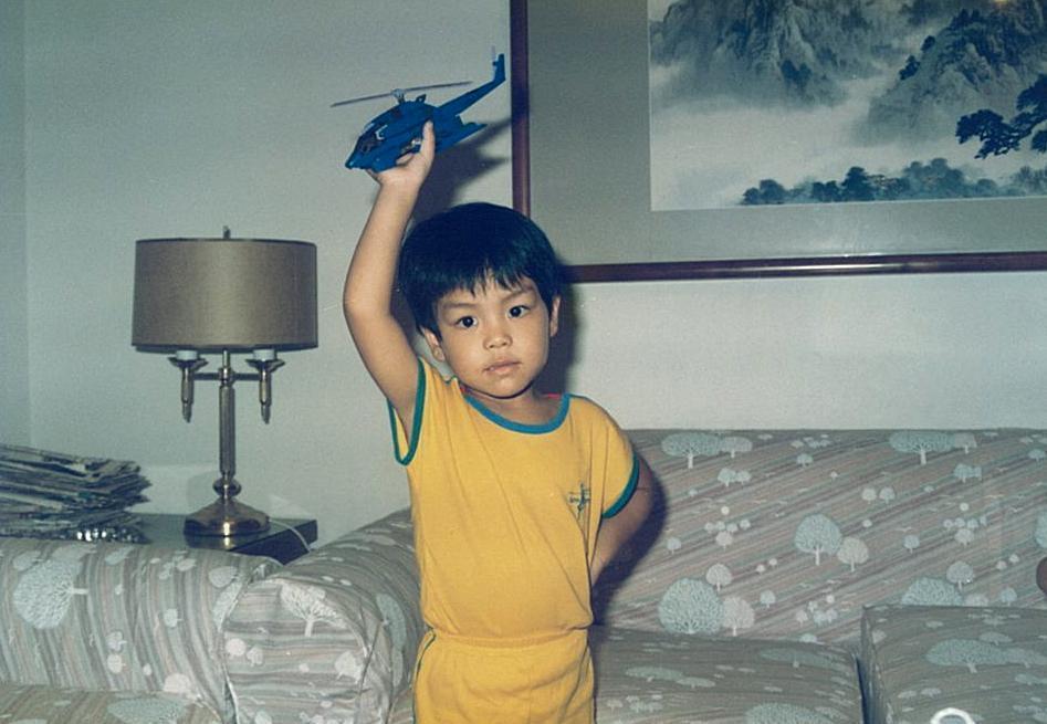 楊威遠說,因小時候太好動,曾被家人送去學圍棋。(楊威遠提供)