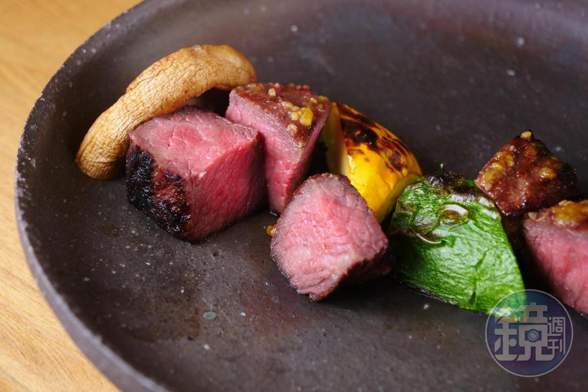 牛小排經幽庵味噌醬醃漬,質感風味迷人。