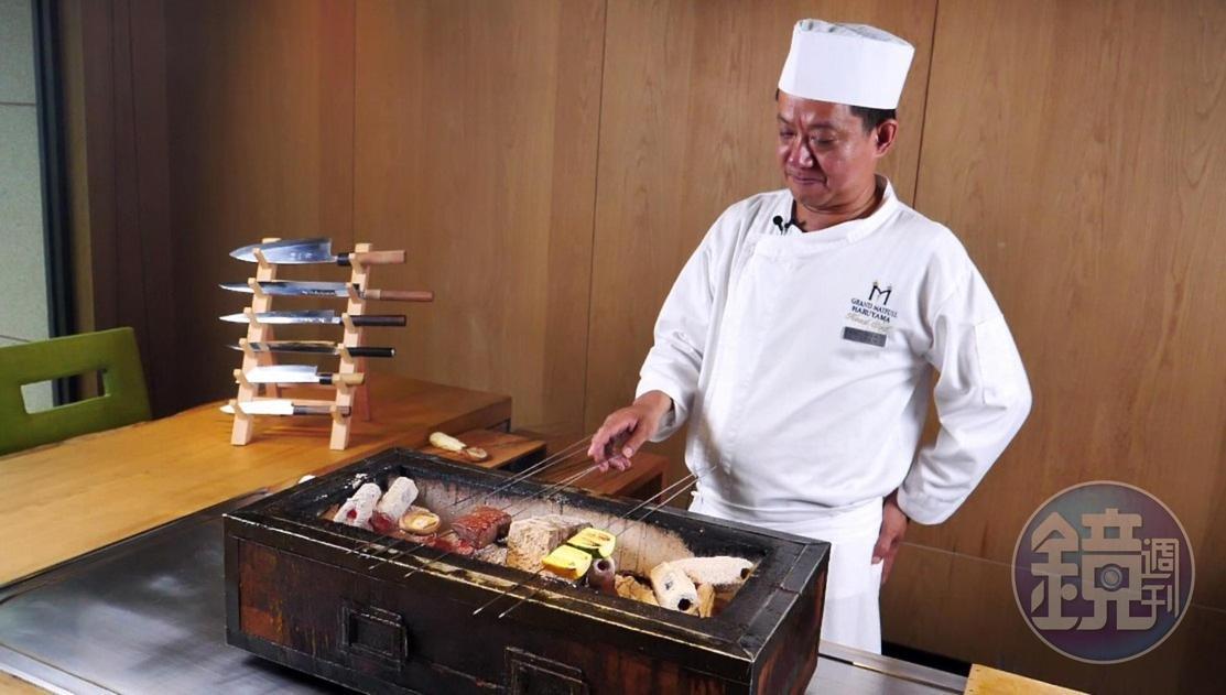吳文雄說,炭火溫度、翻面時機依食材而有不同絕竅。