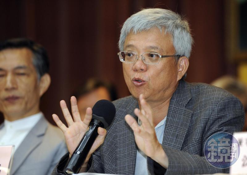 華碩董事長施崇棠委以重任,交由副董事長徐世昌重整旗下不賺錢事業體。