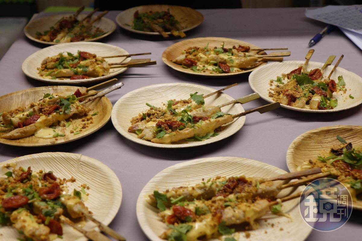 「舒康雞」的「火烤雞柳串」。