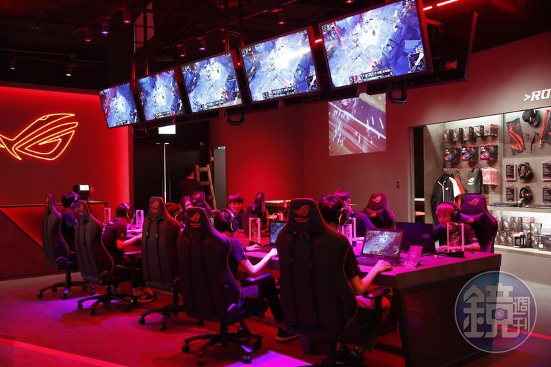 華碩看好電競發展,今年4月於台北三創數位園區開設ROG Store電競體驗店。