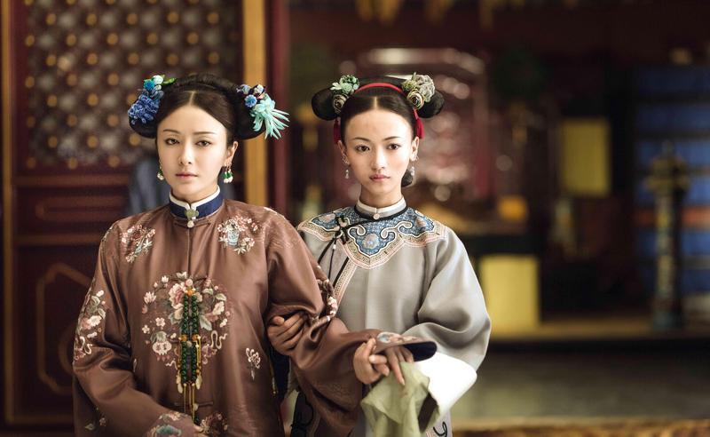 秦嵐(左)與吳謹言(右)演出《延禧攻略》深受觀眾喜愛。(八大提供)