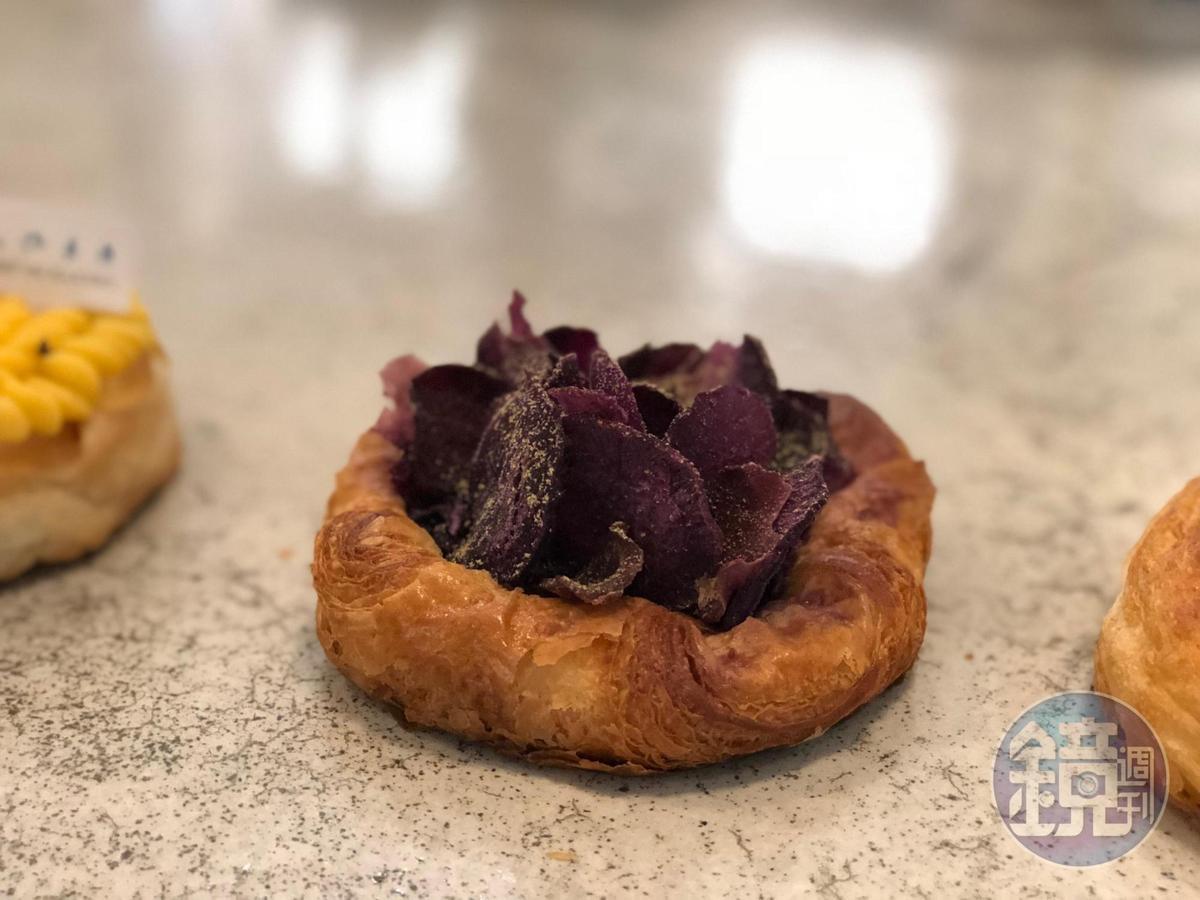 可頌麵包「紫地瓜珊瑚」製作精巧。
