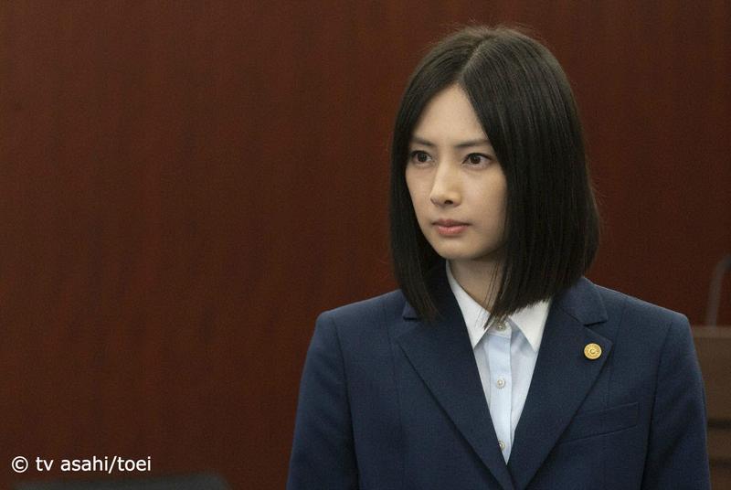 北川景子首次挑戰律師角色,完成長篇台詞的法庭戲之後,她開心直呼:「終於辦到了!」(KKTV提供)