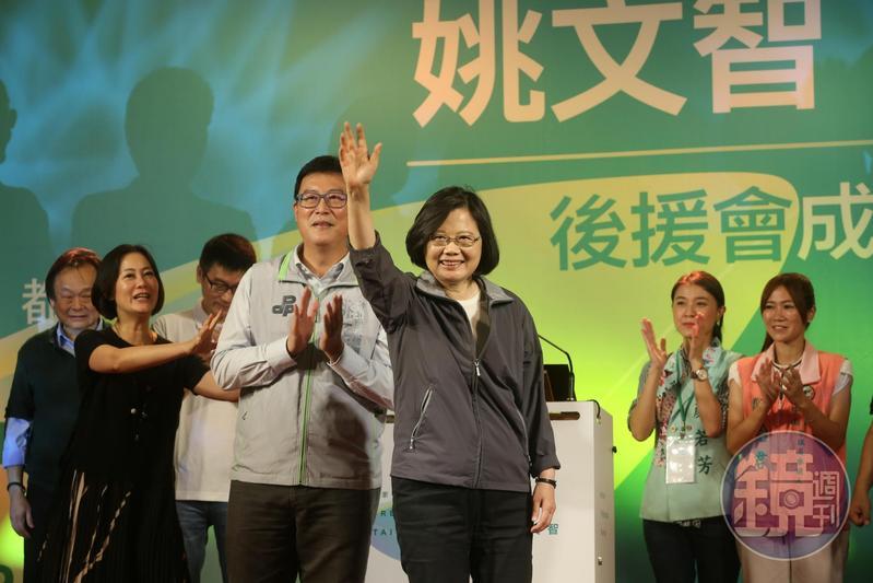 總統蔡英文稱讚姚文智是最稱職的台北市長。