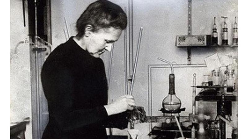 居里夫人是同時擁有諾貝爾物理獎、化學獎桂冠頭銜的唯一女性科學家。(東方IC)