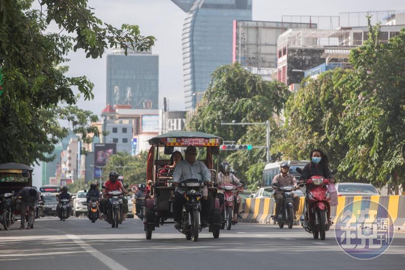 近年海外不動產夯,柬埔寨金邊就頗具發展潛力,吸引許多台灣人前往置產。