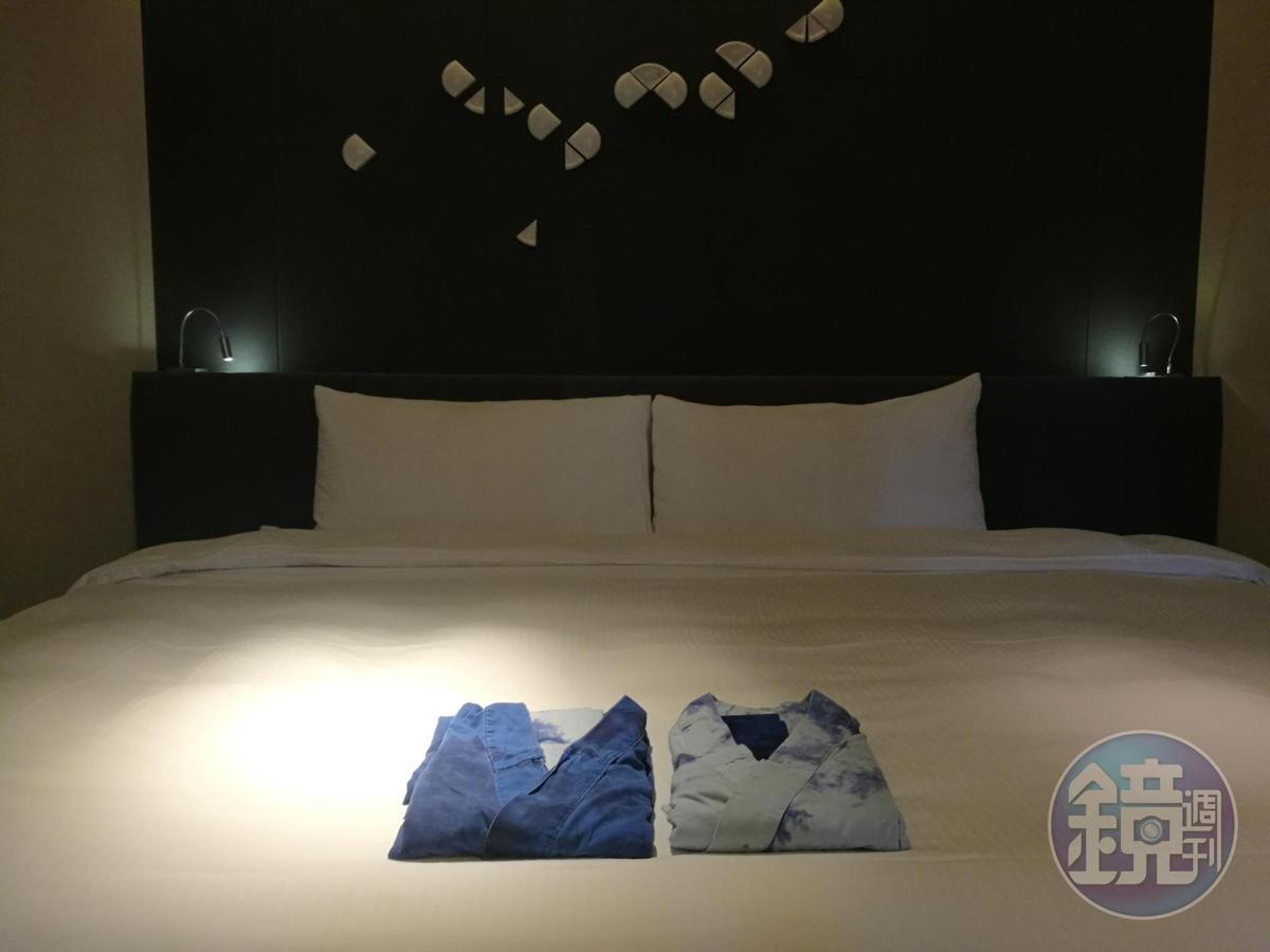 以藍染為浴衣,充滿文藝氣質的客房。
