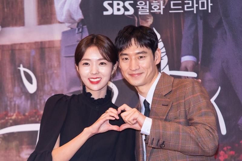 李帝勳與蔡秀彬首次合作《狐狸新娘星》,兩人拍起對手戲相當自在。(KKTV提供)