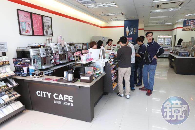 7、8月期統一發票開獎,有民眾在台北市統一超商,只花10元買報紙,就中了千萬元大獎。圖為示意圖,非當事人及該超商。