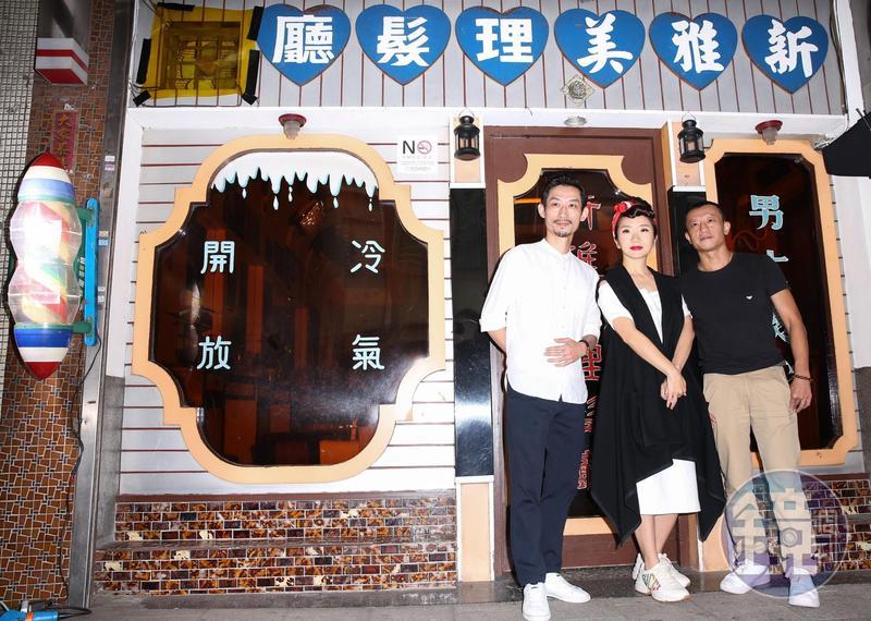 金馬獎主持人陶晶瑩(中),與去年最佳男配角陳竹昇(左),在導演楊雅喆(右)指揮下拍攝最新的金馬獎宣傳短片。