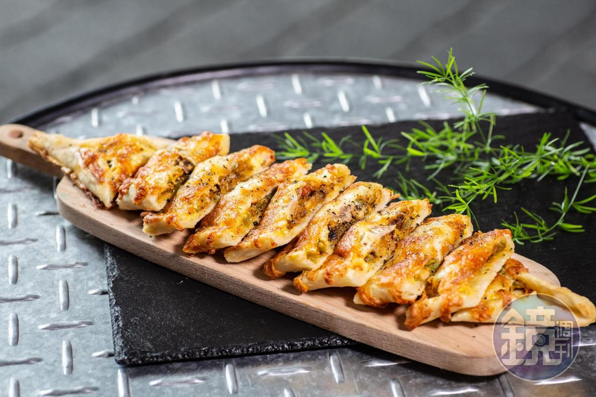 「土耳其船型烤餅」以自家種的蔬菜做內餡,清爽好味。(180元/份)