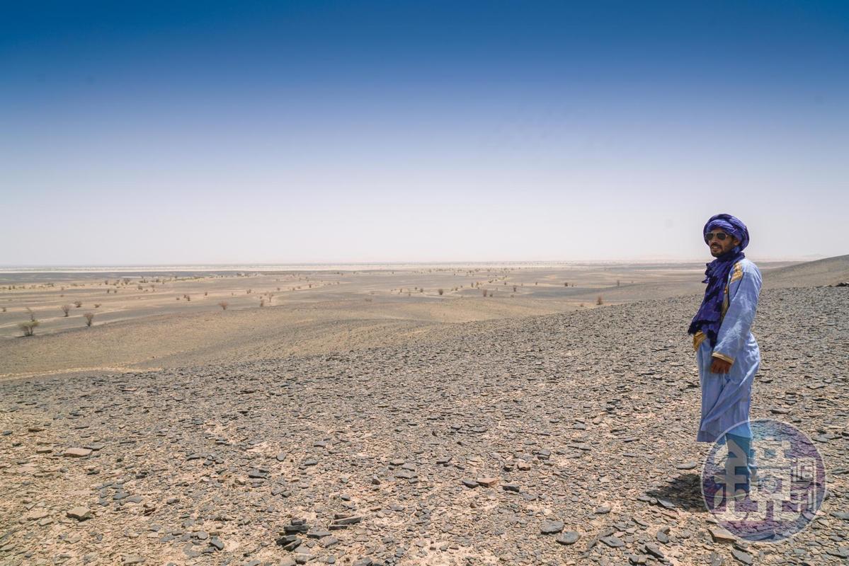 身為貝都因人的Lahbib,對沙漠有特殊情感和了解,蔡適任說,想要真正了解這塊土地,要找家族都生活在此的人,才能有不一樣的感受。