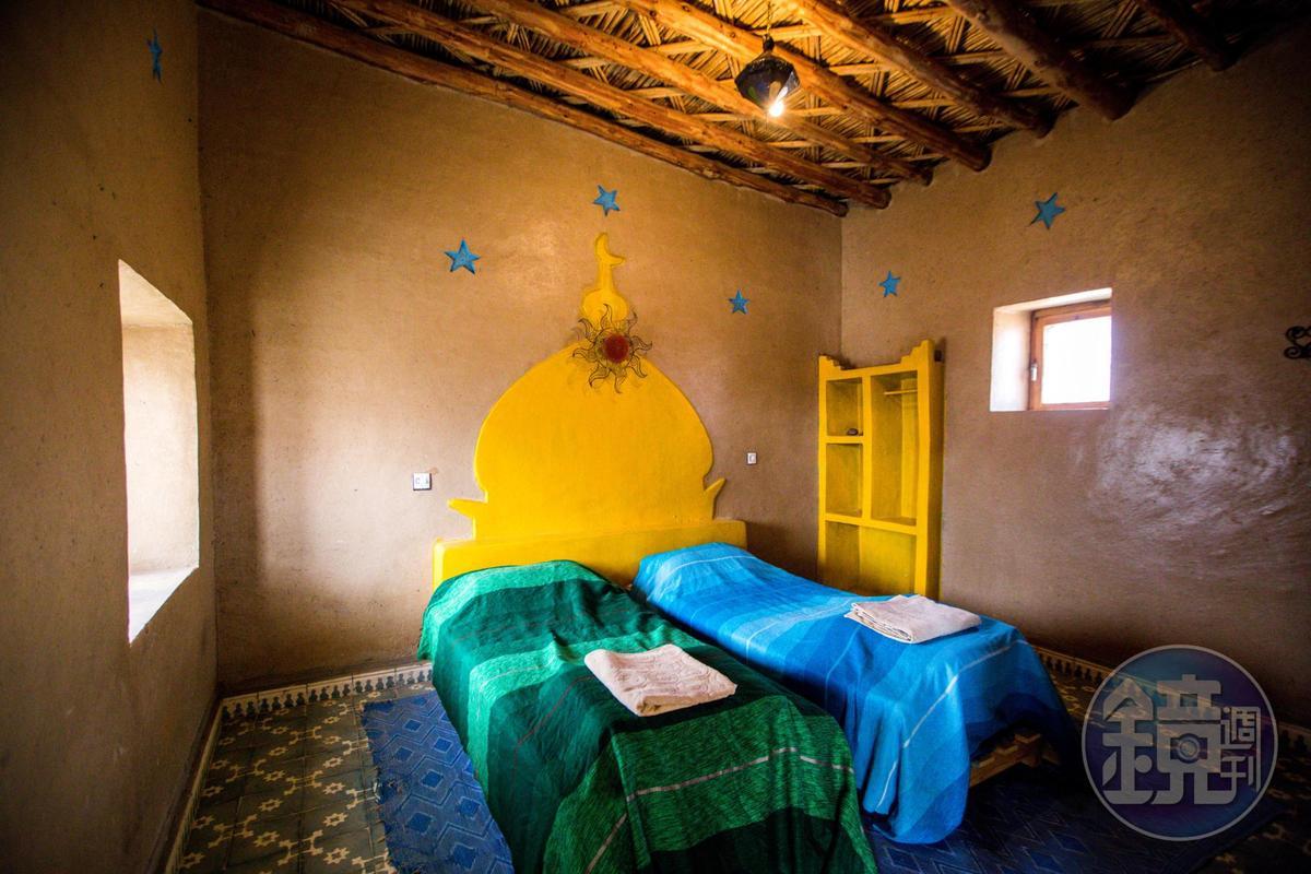 用傳統工法建造的環保民宿,空間簡單卻很乾淨舒適。
