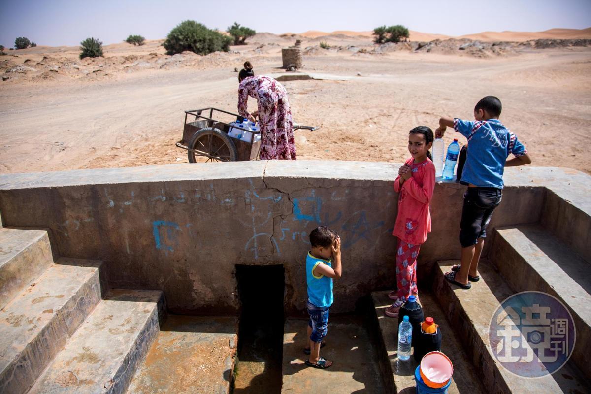居民在此的水源,會依賴坎兒井生活。