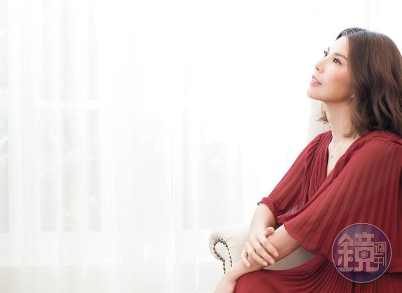 5年前,許茹芸閃嫁異國,但就算嫁給韓國人,許茹芸說,因為2個人的生活及家庭價值觀是相近的,去溝通很多事情時,它並不會那麼複雜。