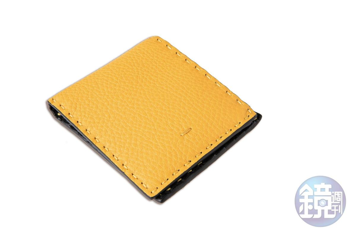 FENDI黃色皮夾,約NT$20,000。