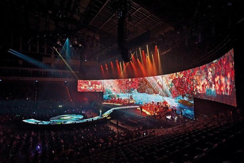 NAKED Inc首次與海外流行音樂合作,擔任辛曉琪台北演唱會的光影藝術視覺製作。(馮建彰提供)