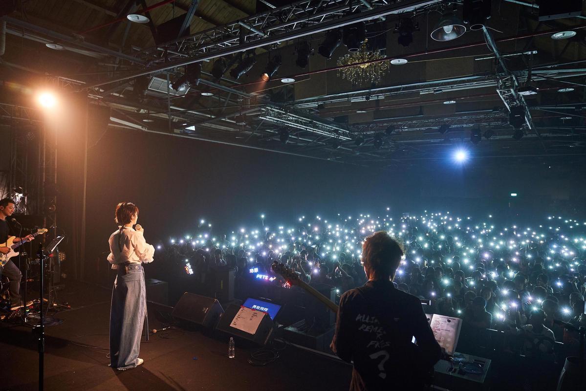 曾沛慈透露明年將會推出新專輯,最近正在醞釀中。(亞神音樂提供)
