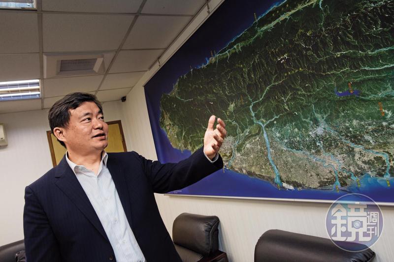 年底九合一選舉是洪耀福上任民進黨祕書長後首次大選,他再次宣示若新北敗選就辭職負責。