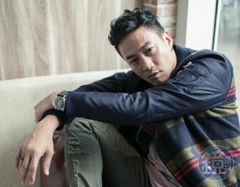 何潤東編、導、演又製作的《翻牆的記憶》,奪下本屆金鐘獎戲劇節目導演獎,成了他歌手、演員身分之外的另一種華麗轉型。