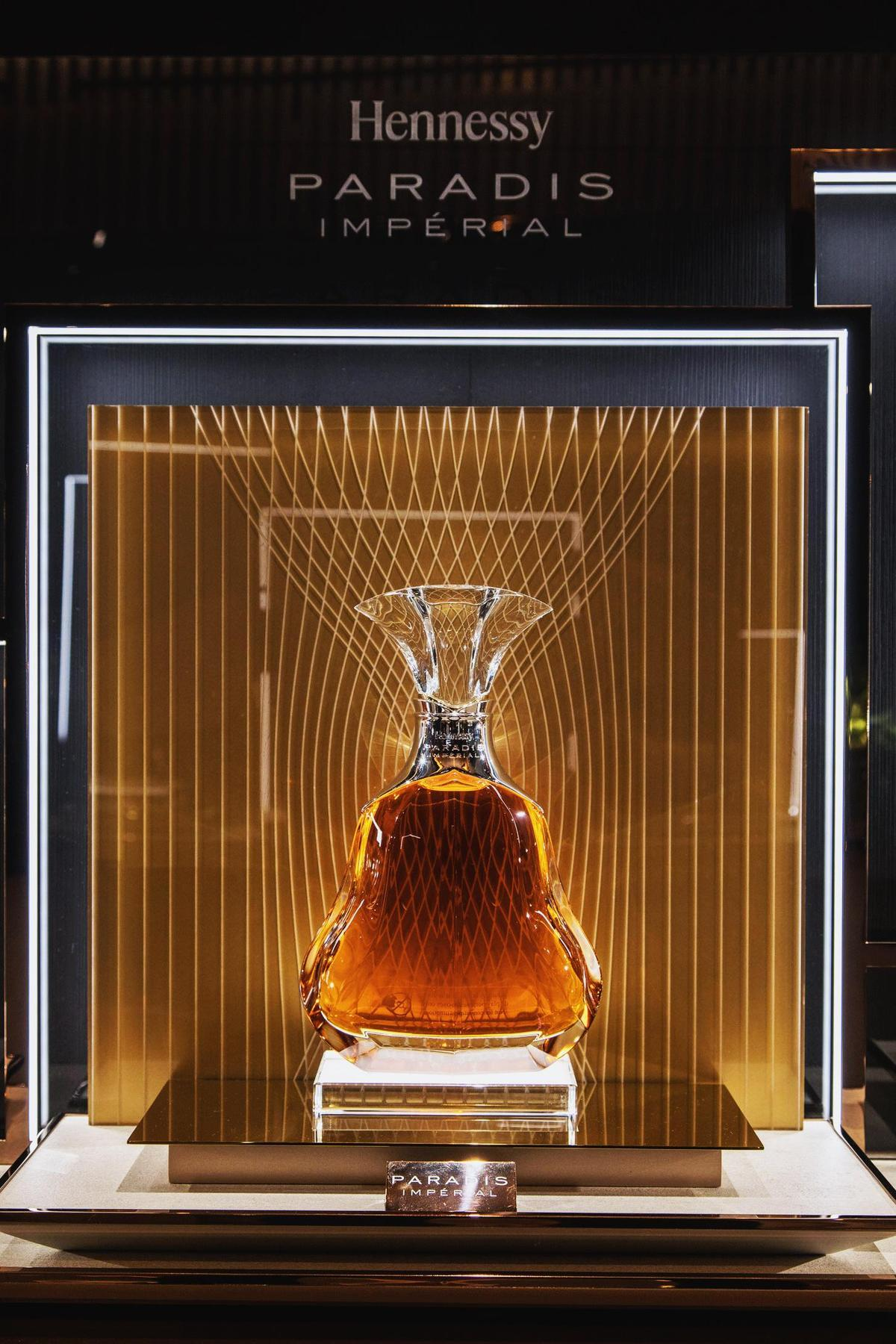 Hennessy Paradis Imperial百樂廷皇禧干邑雖然是老酒,卻不厚重,反而充滿輕盈花香。(軒尼詩提供)