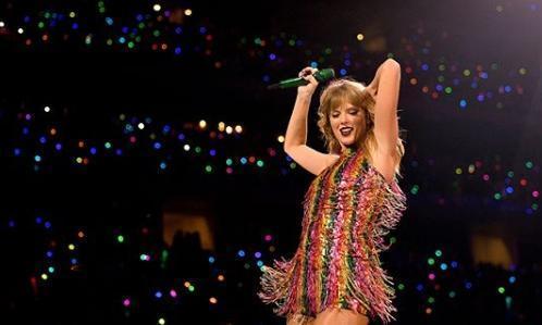 美國流行樂壇小天后泰勒絲,罕見在個人IG上發表政治立場。(翻攝自泰勒絲IG)