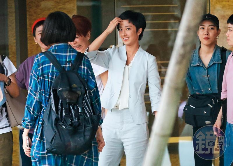 今年5月,桂綸鎂特別向劇組告假,返台拍攝代言的咖啡品牌廣告。