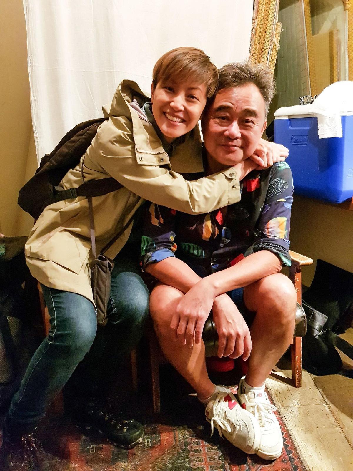 香港歌手黃耀明與何韻詩人在東京,得知陳昇在當地開唱特別現身打氣捧場。(新樂園製作提供)