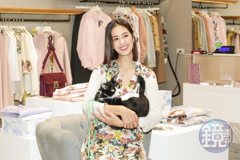 莫允雯愛貓,並且關心台灣流浪貓氾濫問題,希望大家能正視。