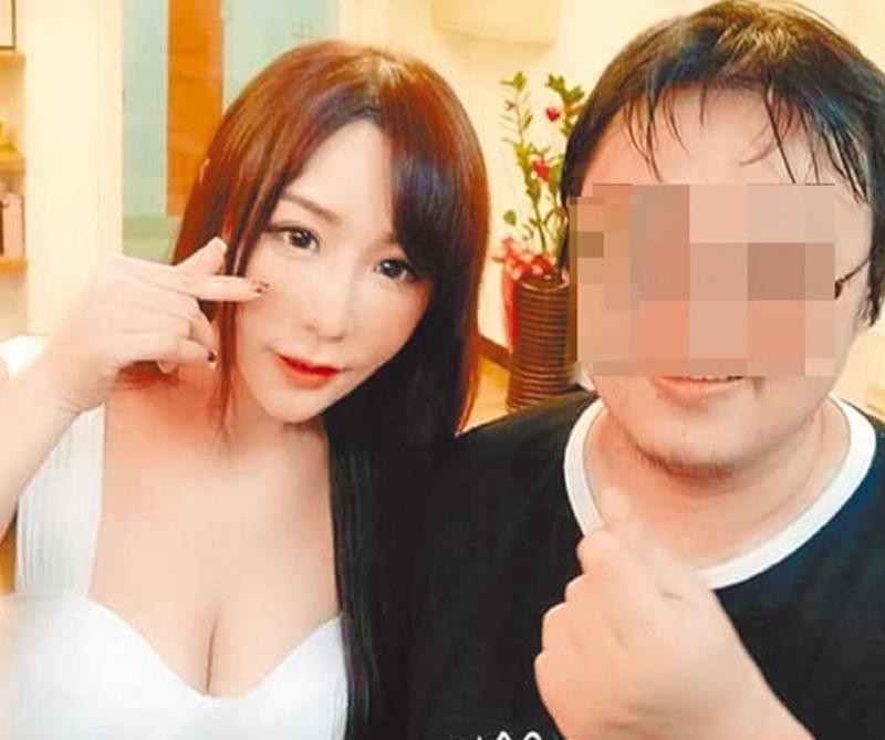 彭男(右)是星野優鐵粉,卻遭人冒充星女詐騙13萬元。(翻攝網路)