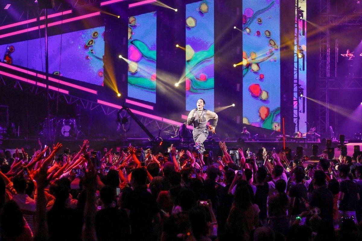 8年蕭敬騰「娛樂先生」巡迴演唱會,由馮建彰操刀舞台設計。(馮建彰提供、資料照)