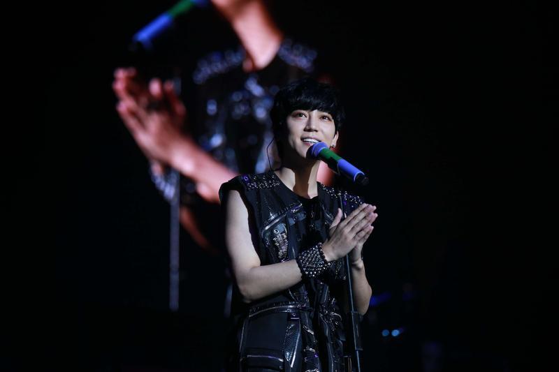 畢書盡香港開唱,上台前感冒近2週,深怕影響表現。(就是現場提供)