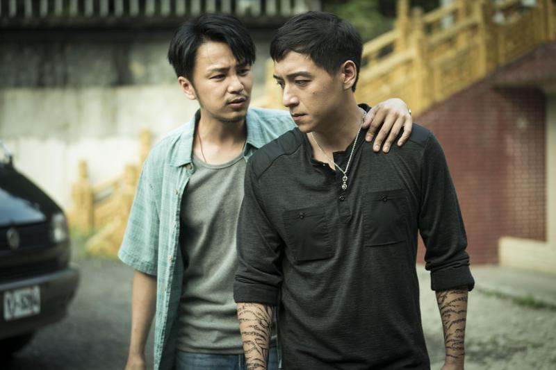 張書偉(左)與鄭人碩因為拍戲交情好,連男男性愛戲也可以。(威視提供)