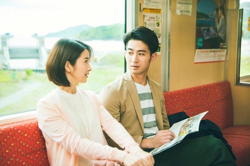 簡宏霖(右)是林依晨師弟,戲劇、活動也常常搭著林依晨一起出現。(翻攝自簡宏霖臉書)