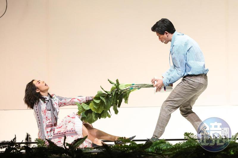 林辰唏為《神農氏》獻出舞台劇處女秀,她和莫子儀的對手戲非常精彩。