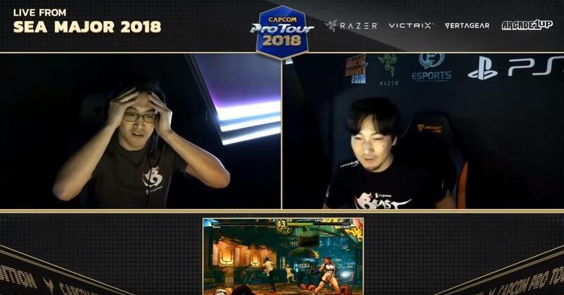 向玉麟奪下新加坡白金賽季軍,圖為八強賽擊敗梅原大吾的時刻。(圖:翻攝自Youtube「Capcom Fighters」)