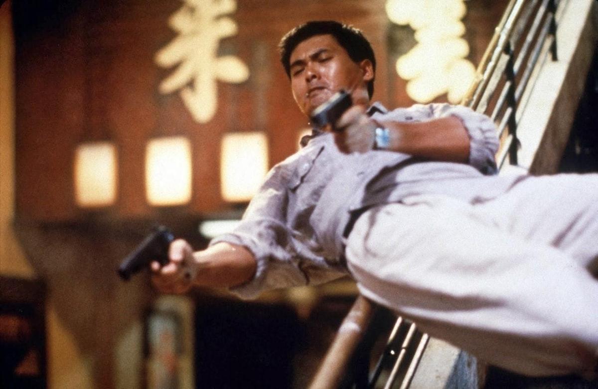 周潤發1992年《鎗神》中的雙槍絕技,至今仍讓影迷回味。  (翻攝自https://www.hk01.com)
