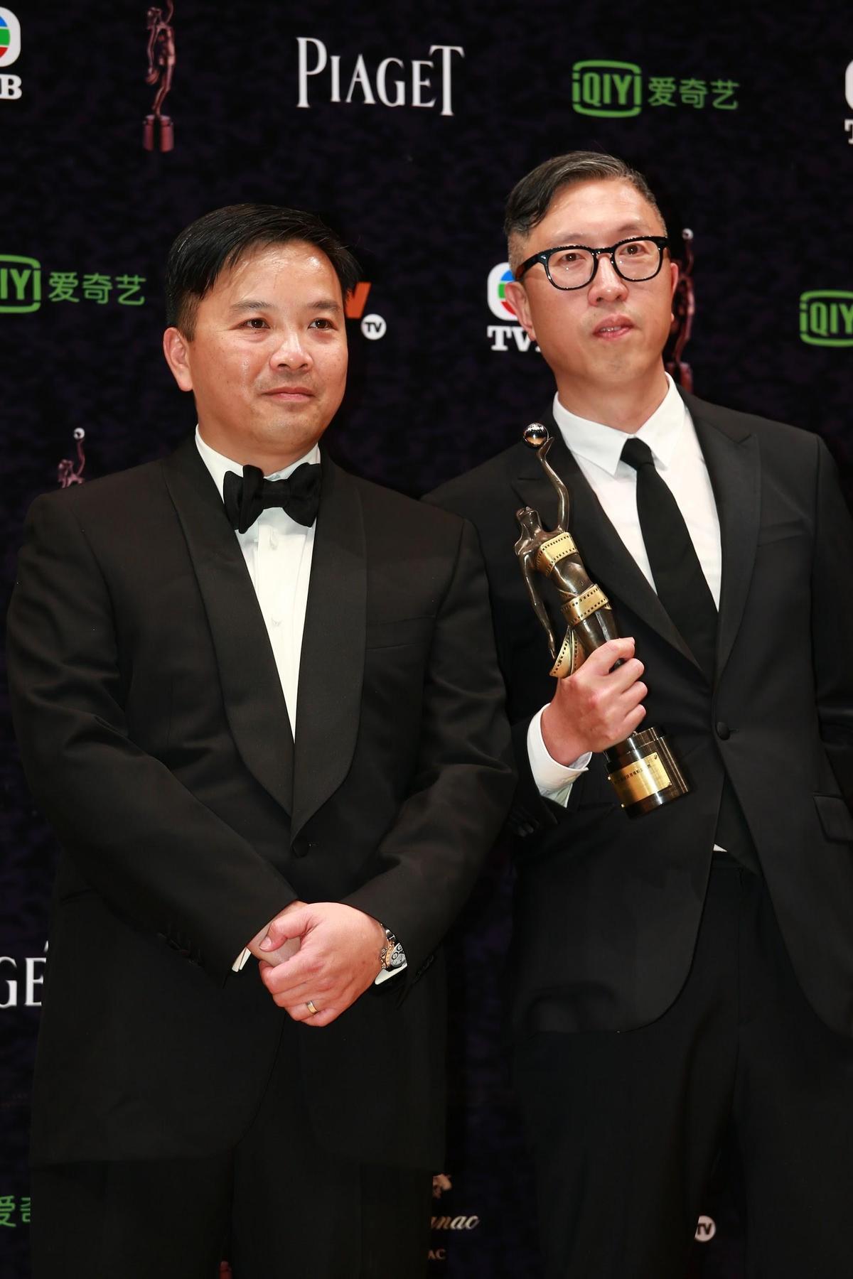莊文強(右)與麥兆輝(左)以《竊聽風雲3》奪香港電影金像獎最佳編劇。(東方IC)