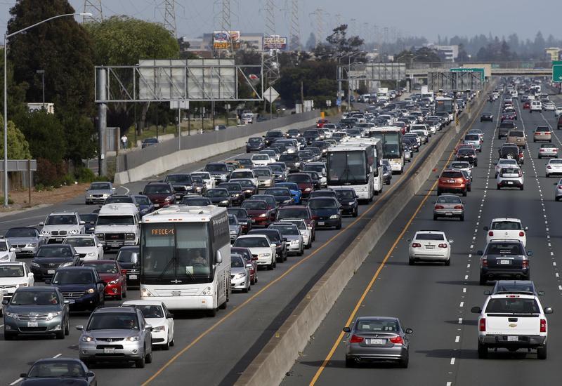 通勤在高科技事業雲集的美國加州矽谷已成嚴重的問題。(東方IC)