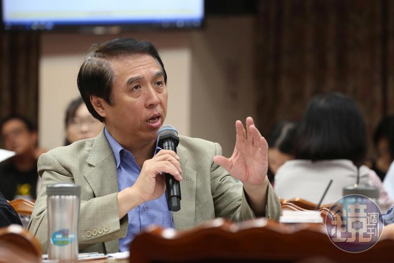 立委陳學聖當時曾有意爭取高雄市長初選提名。